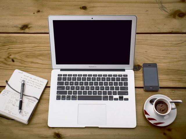 Përdorimi i kompjuterit krahasuar me smartphone-in